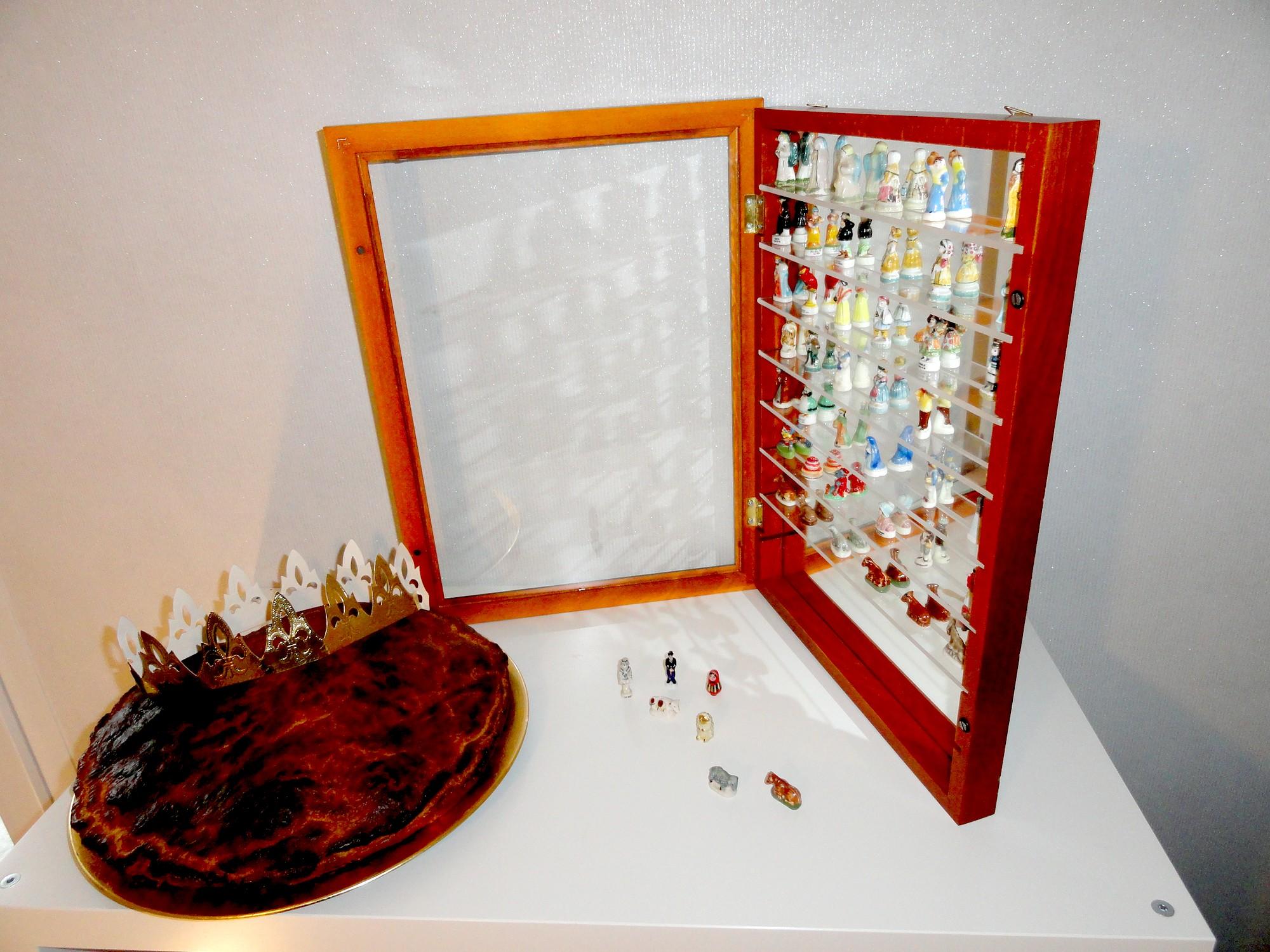 Vitrine pour collection de fèves de galette des rois